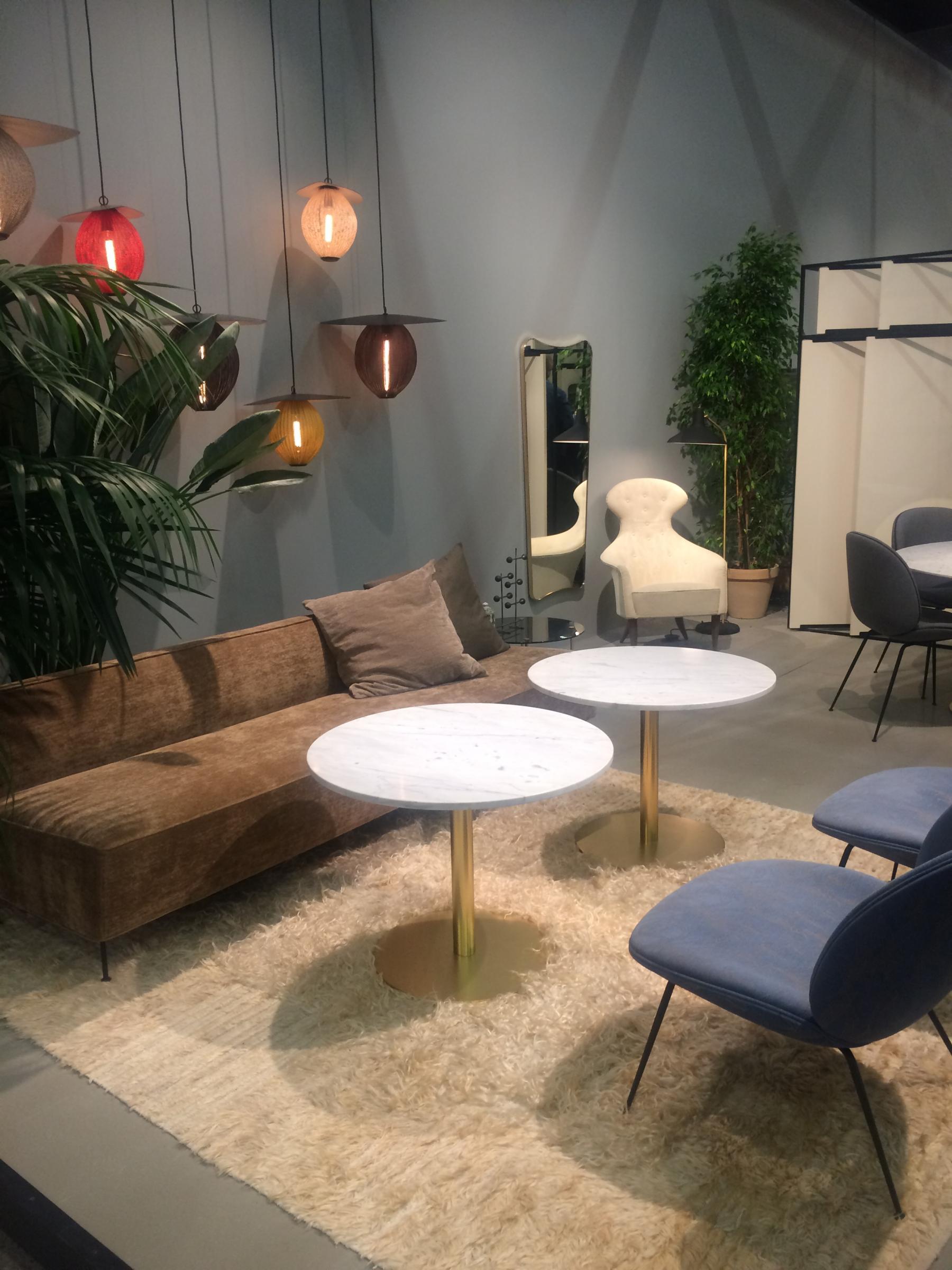 loungeplekken kantoor bank tafel stoelen verlichting beurs stockholm