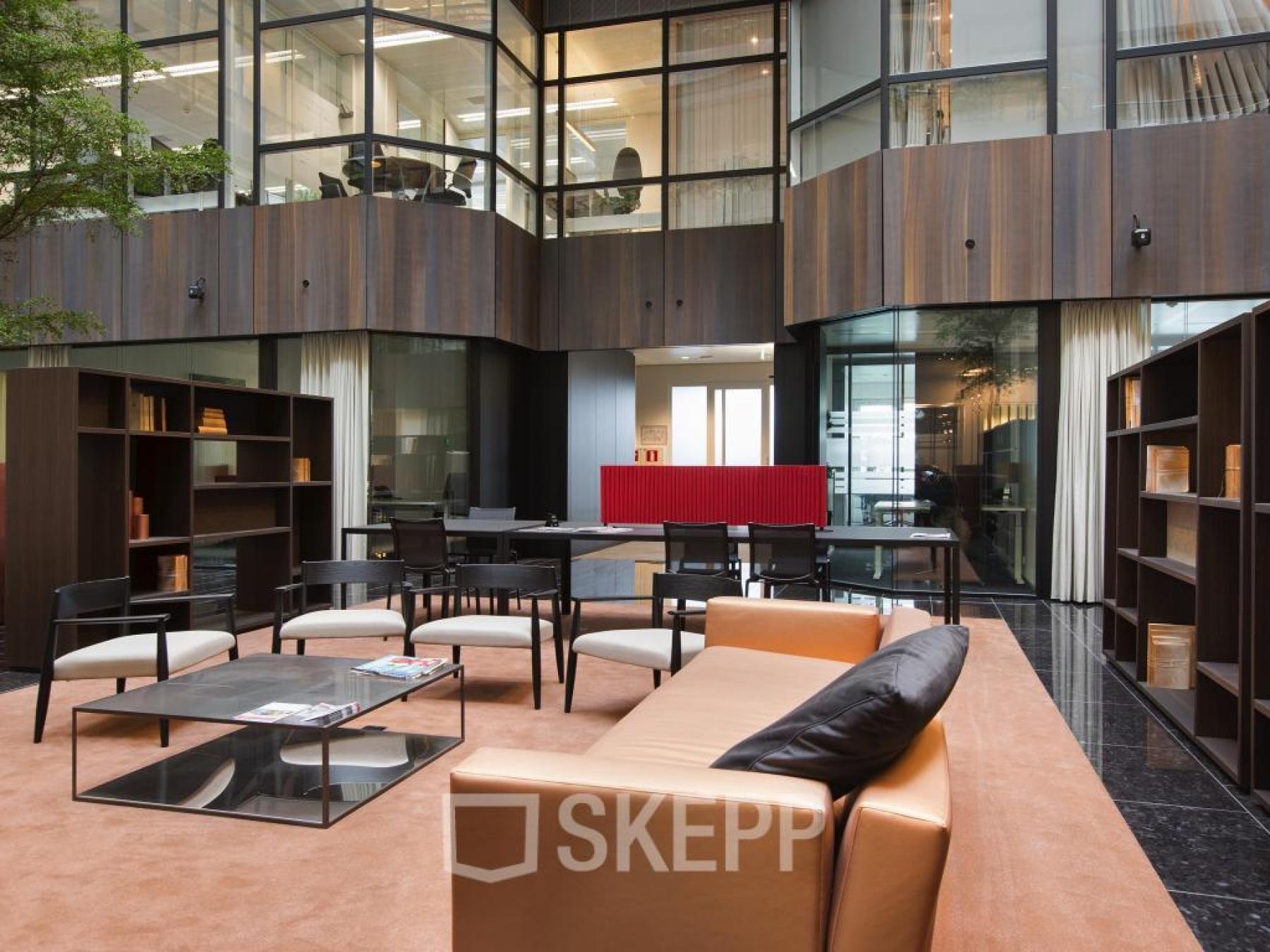 loungeruimte kantoorgebouw amsterdam strawinskylaan