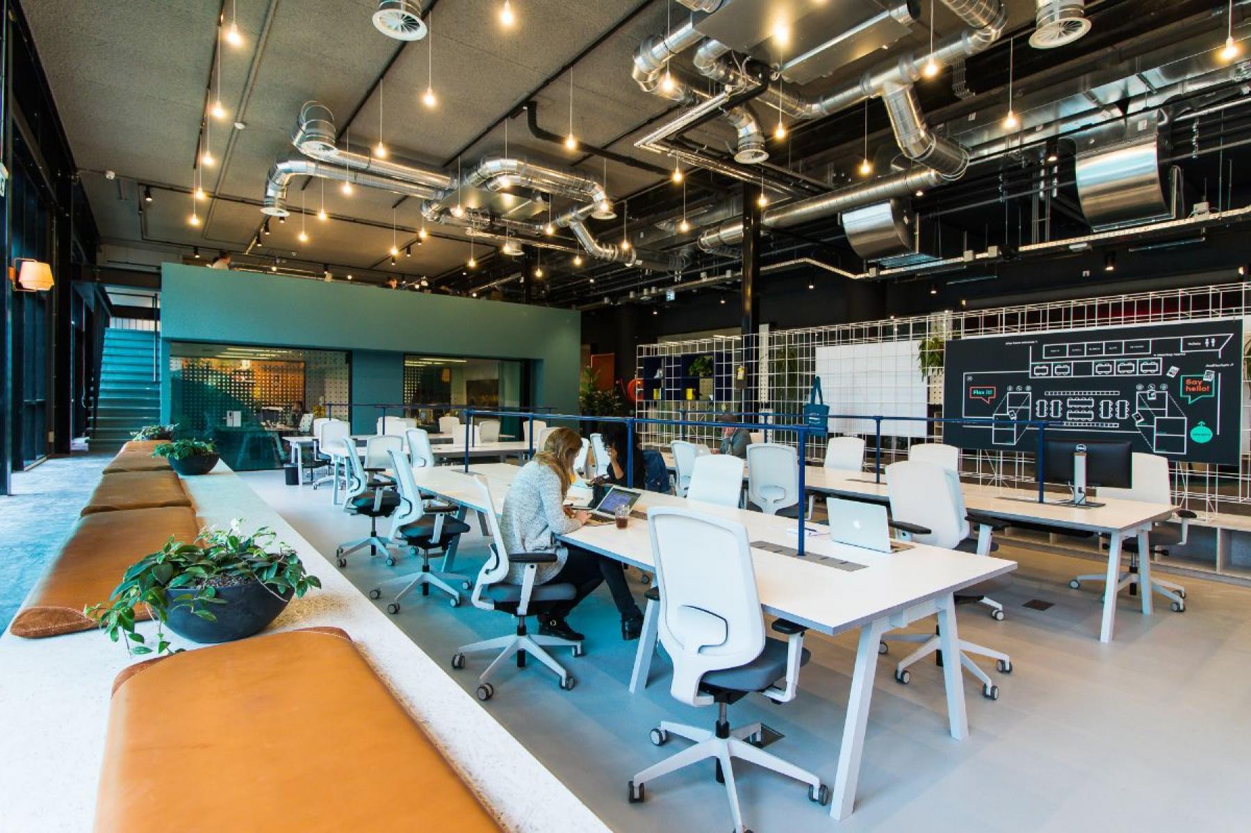 werkplekken kantoorgebouw amsterdam wibautstraat werknemer
