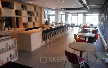 restaurant kantoorpand lunch ontbijt diner amsterdam zuidoost karspeldreef koffie