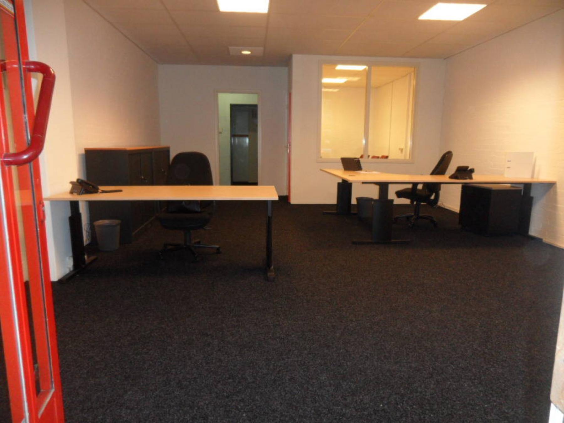 kantoorkamer beschikbaar gemeubileerd ingericht vlaardingen