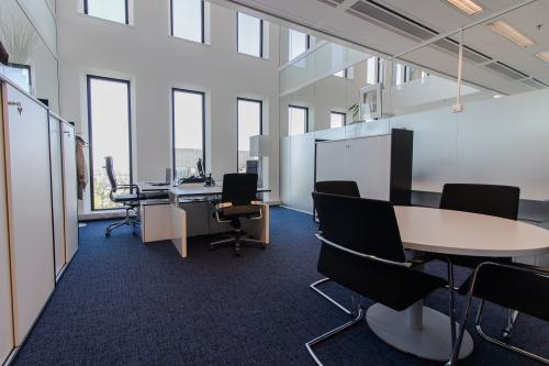 Modern office spaces at the Zuidas for rent