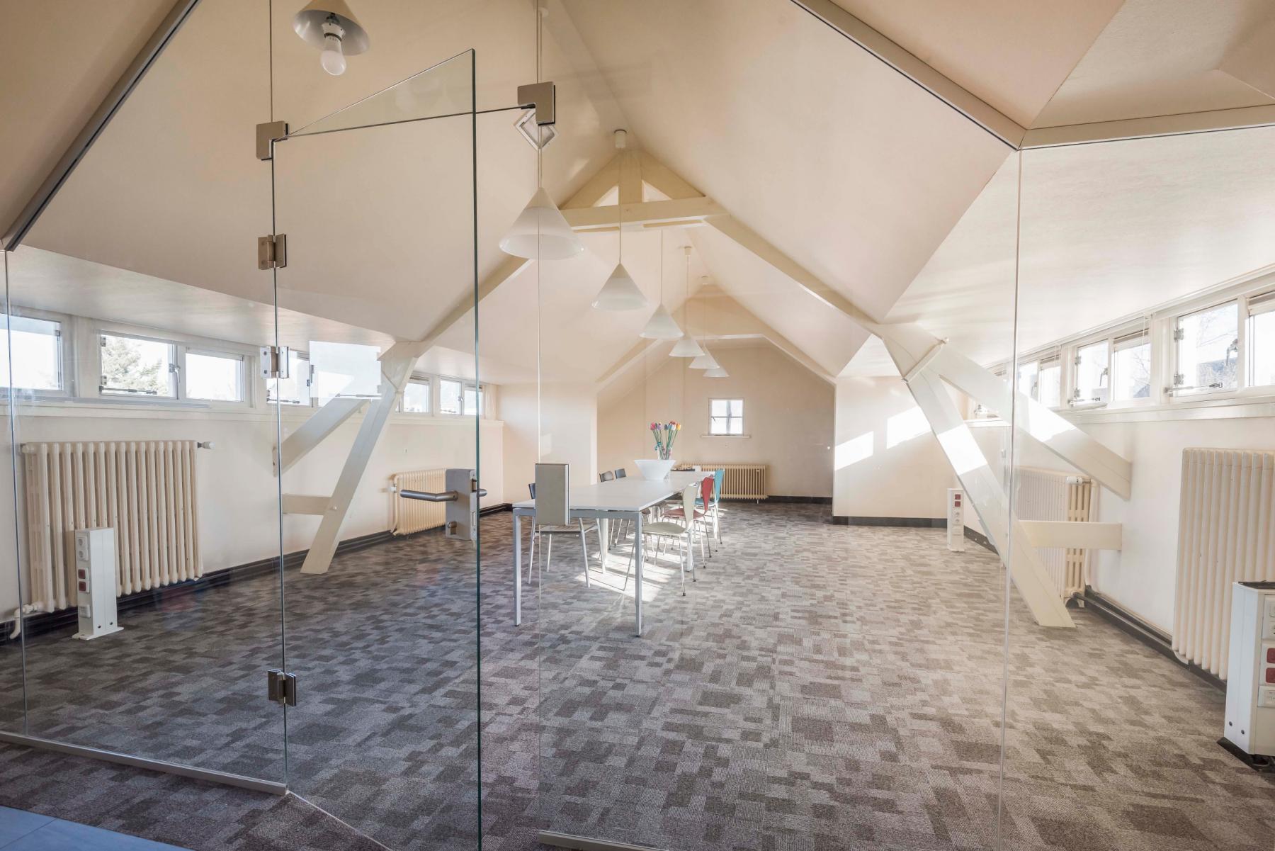 Grote kantoorruimte te huur in Almelo