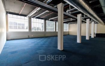 Modern office spaces in monumental office building Almelo