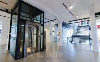 Modern office spaces for rent at the Twentheplein in Almelo