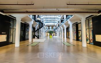 Office spaces for rent in monumental office building