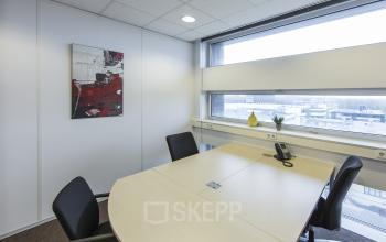 almere centrum busplein kantoorpand huur kantoorruimte ingericht