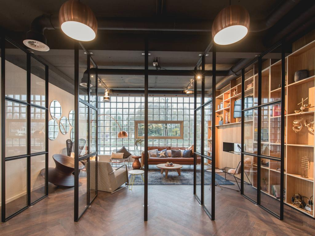 kantoorruimte huren in hip kantoorconcept in amersfoort. Black Bedroom Furniture Sets. Home Design Ideas