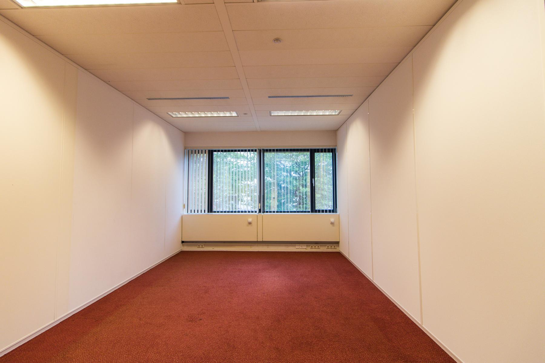 Office spaces with different sizes available