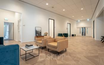 Net gerenoveerd kantoor Amsterdam kantoorkamers kantoorruimte kantoorgebouw goed bereikbaar gratis parkeren