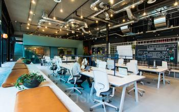 Modern and light office spaces