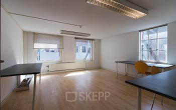 Light office spaces available in Amsterdam