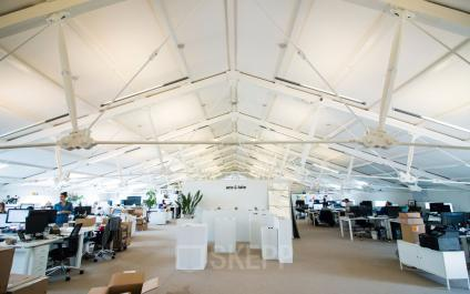 flexible working space for rent in big open space