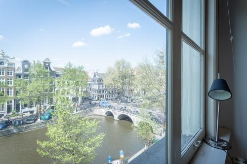 kantoorkamer uitzicht op grachtengordel keizersgracht Amsterdam