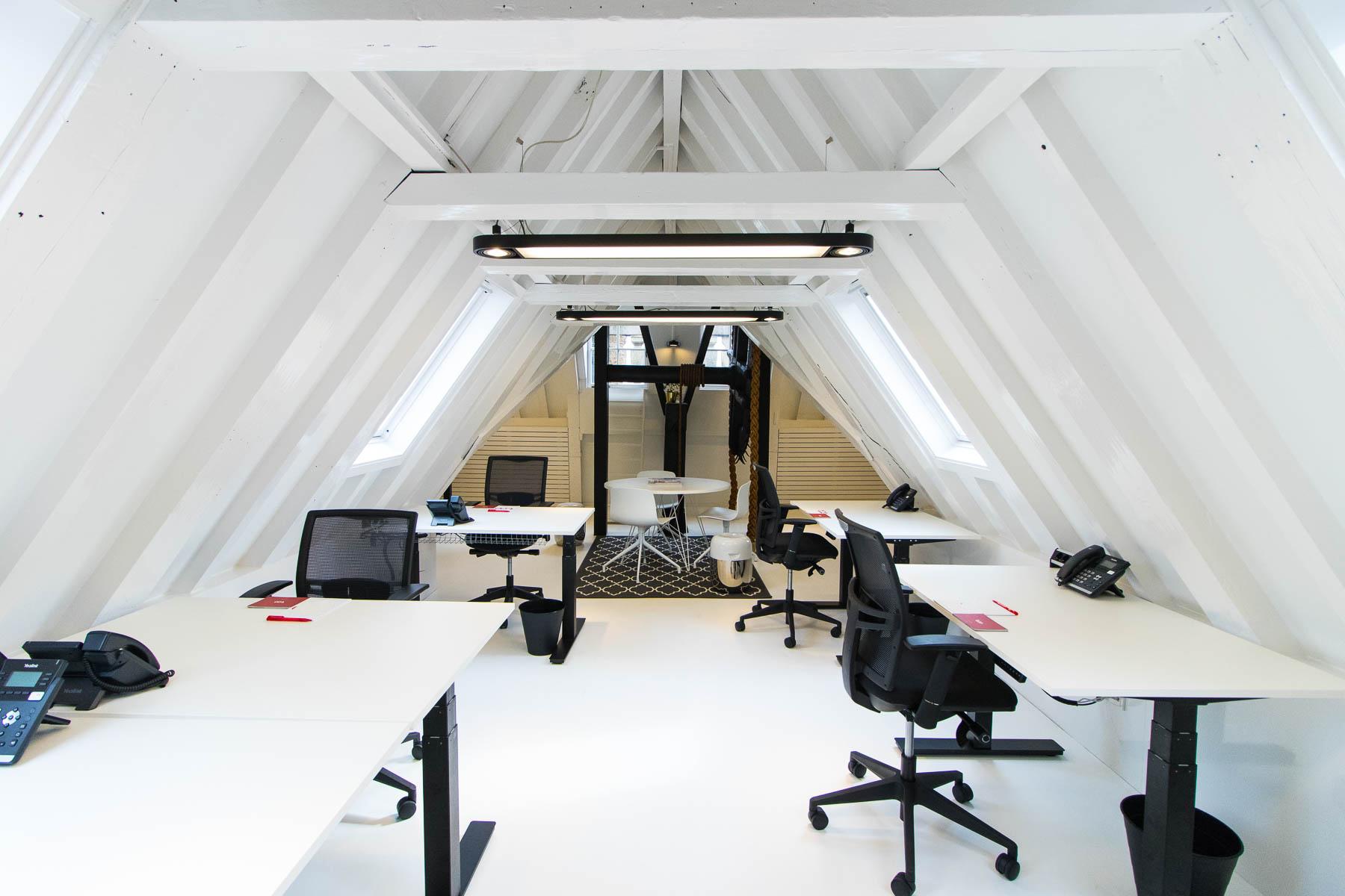 Loft met grote kantoorruimte