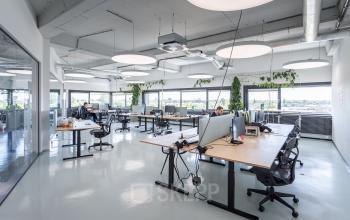 Amsterdam noord klaprozenweg nieuwbouw modern pand gebouw kantoorruimte flexwerkplek kantoorkamer creatief mooi uitzicht parkeerplaatsen aanwezig
