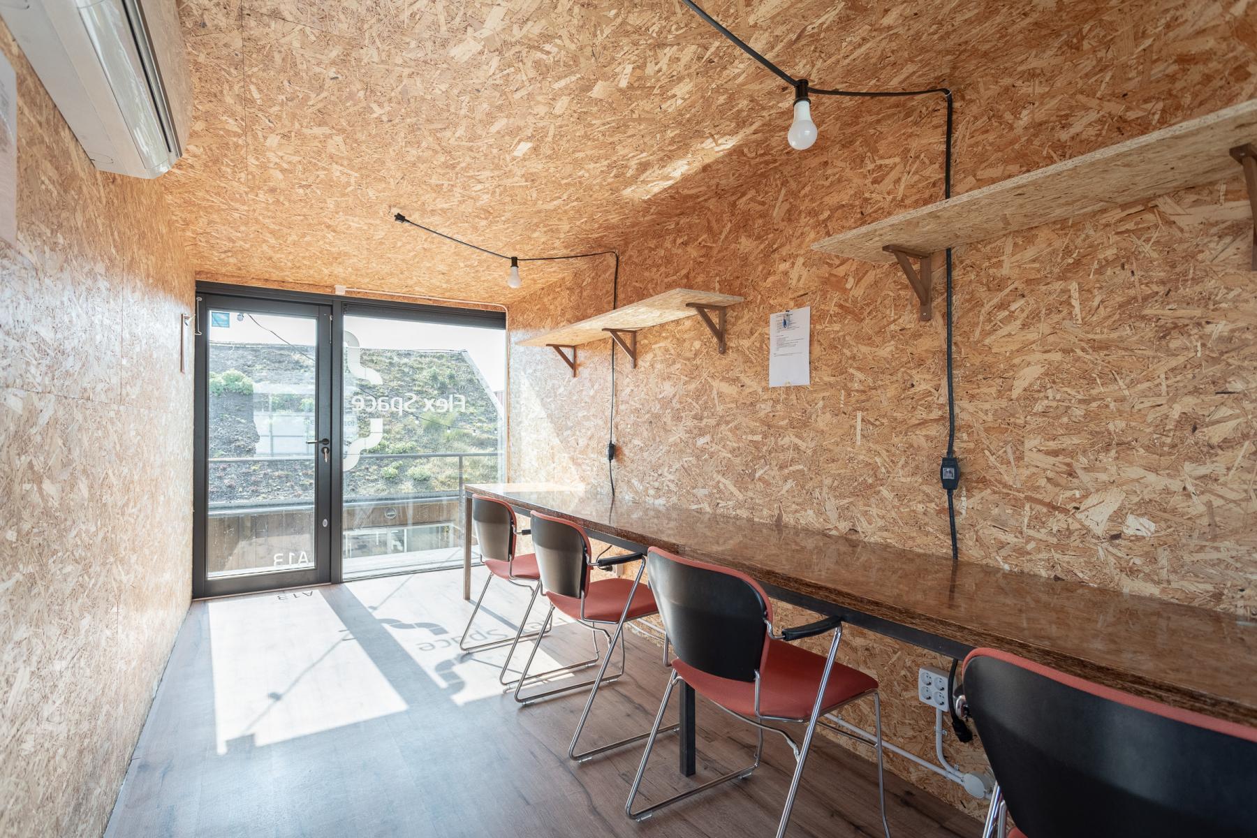 Containterpark creatieve werkplekken kantoorruimtes Amsterdam science park