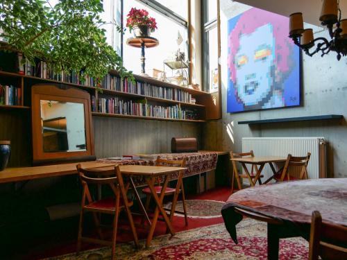 Rent office space Tosaristraat 1, Amsterdam (28)