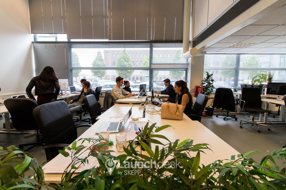 Kantoor Huren Amsterdam : Kantoorruimte kabelweg accumulator amsterdam sloterdijk launchdesk