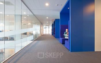 werkplekken kantoorgebouw amsterdam parassusweg huren