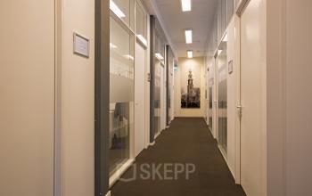 gang kantoorgebouw amsterdam