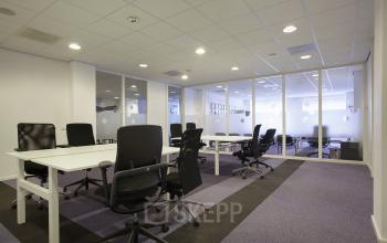 werkplek Amsterdam Singel vergaderruimte meubilair inrichting