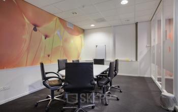kantoorruimte Amsterdam Singel vergaderuimte meubilair interieur lampen