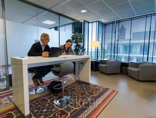 Office spaces for rent at the Cuserstraat in Amsterdam