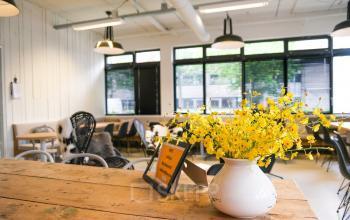 design kantoorpand SKEPP kantoorruimte huren amsterdam zuidoost
