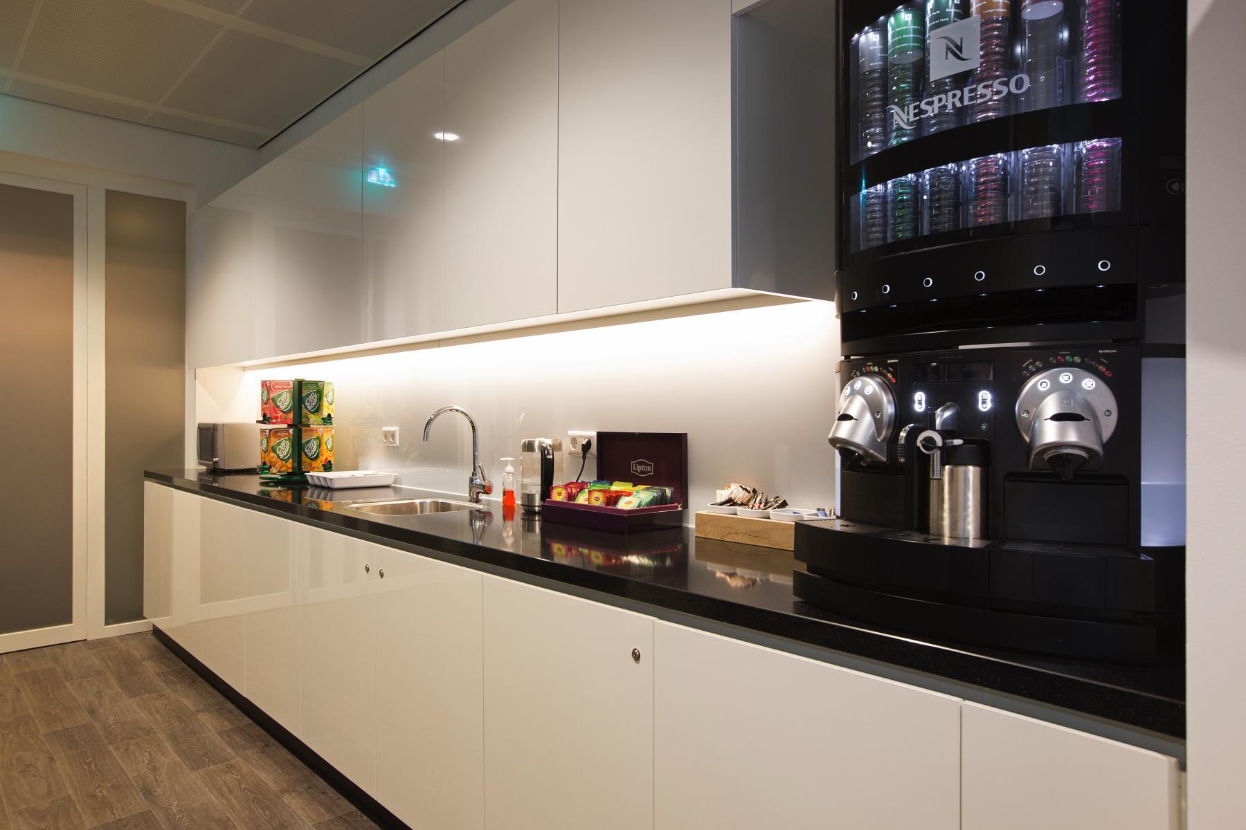 pantry koffiecorner kantoor amsterdam strawinskylaan zuidas