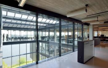 kantoorgebouw in Amsterdam met mooi uitzicht