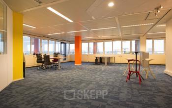 kantoorunit huren aan karspeldreef in amsterdam met airconditioning