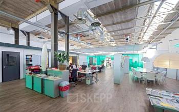 stimulerende open ruimte in kantoorpand Amsterdam