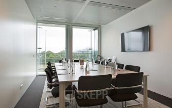 kantoorruimte amstelveenseweg amsterdam vergaderruimte huren meubilair uitzicht