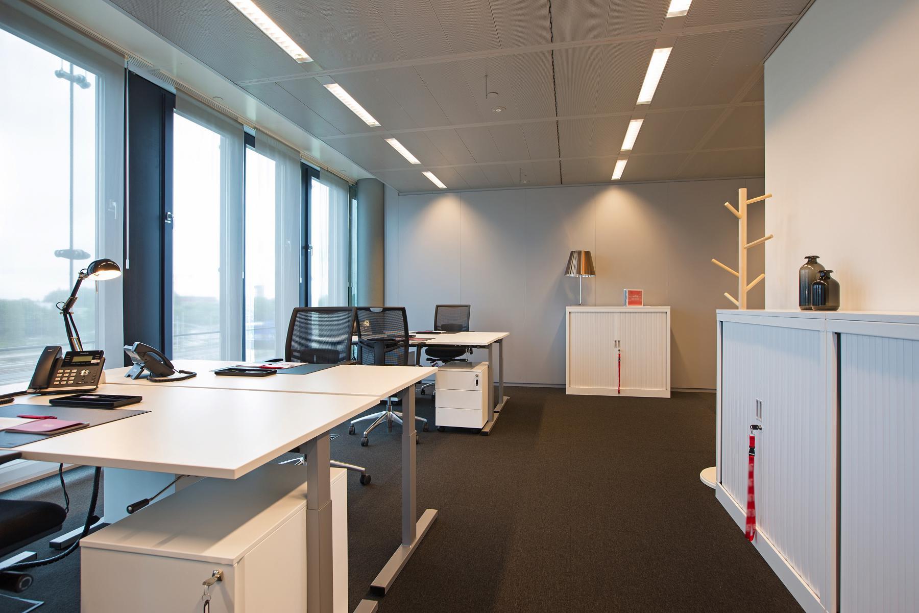 kantoorruimte kantoorunit huren amsterdam amstelveenseweg meubilair uitzicht