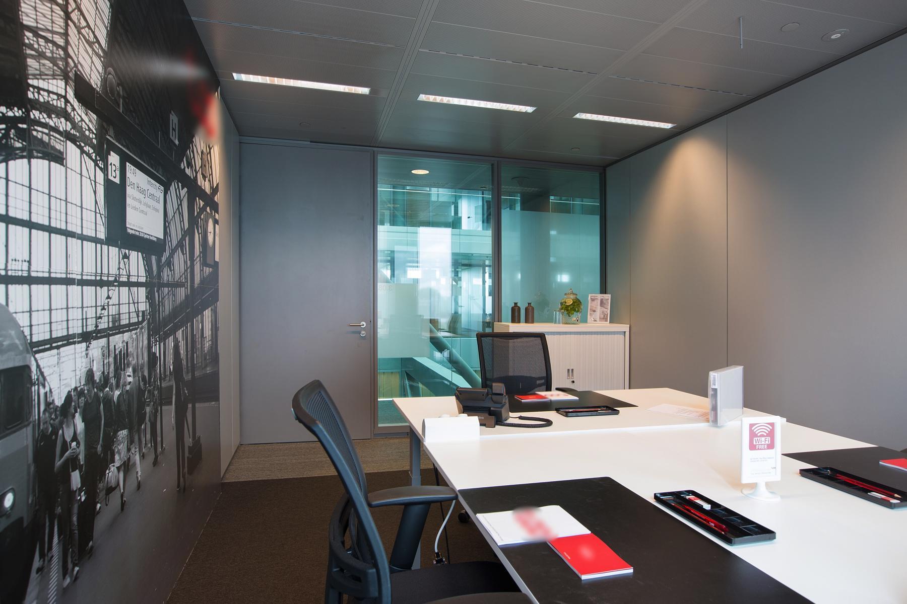 kantoorruimte amsterdam amstelveenseweg kantoorunit huren meubilair uitzicht