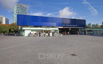 kantoorpand treinstation Amsterdamzuid SKEPP