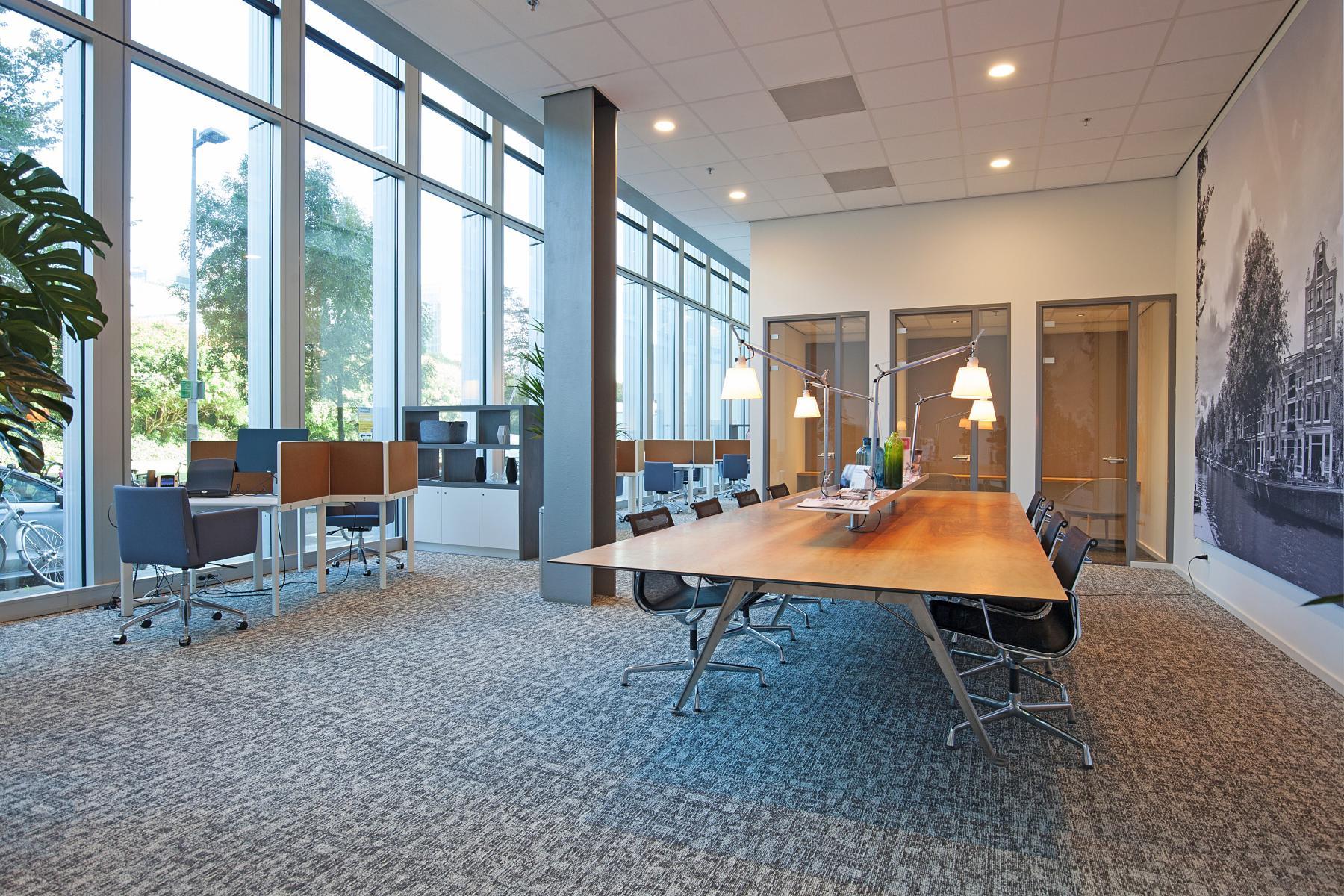 flexplek flexwerplek werkplek kantoorpand Amsterdam Zuidas