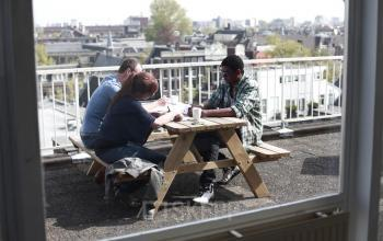 dakterras picknicktafel lunchruimte terras Amsteradam