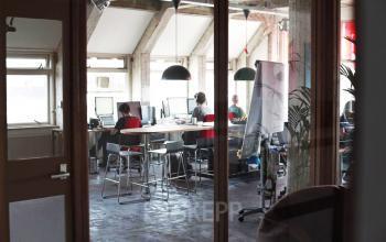 werkplekken afgesloten huren rokin amsterdam
