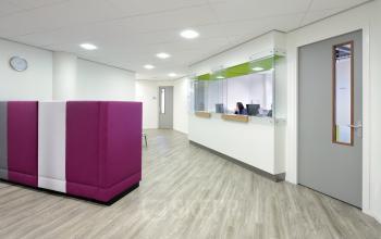 gedeelde receptie receptioniste kantoor amsterdam nieuw-west