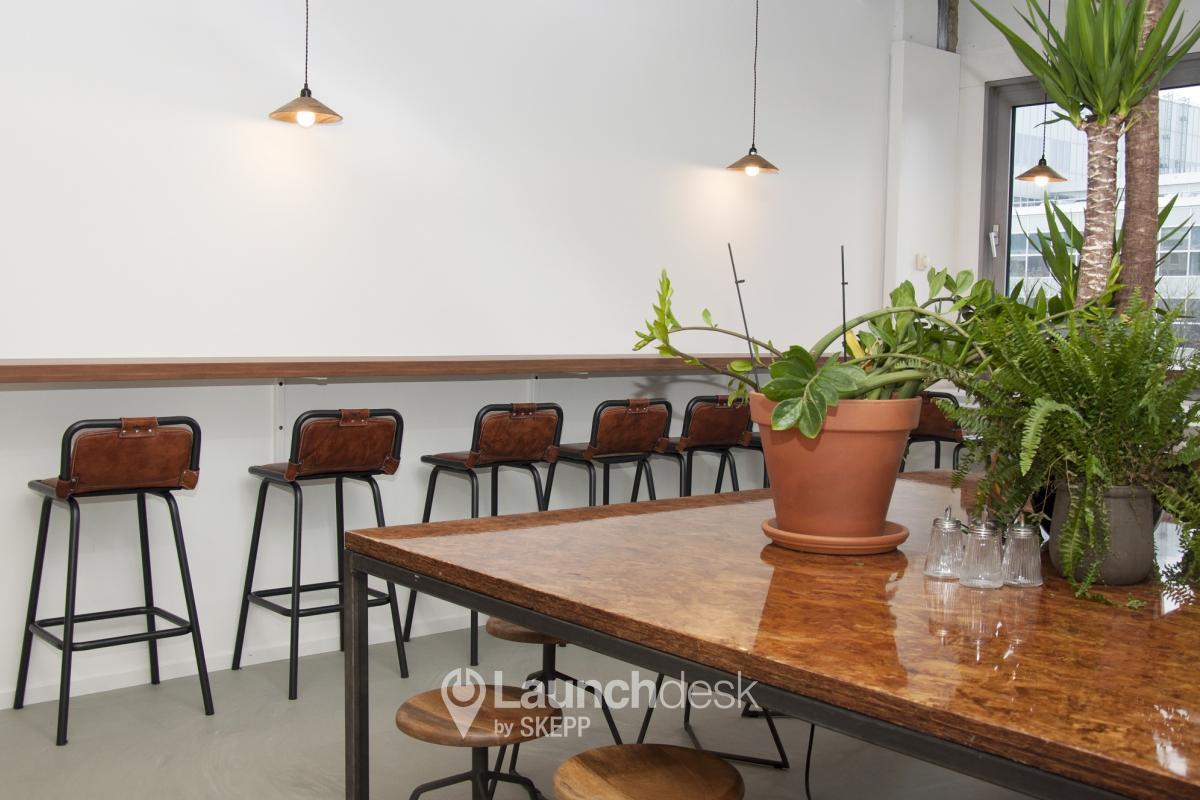 kantoorruimte amstelstation amsterdam oost launchdesk. Black Bedroom Furniture Sets. Home Design Ideas