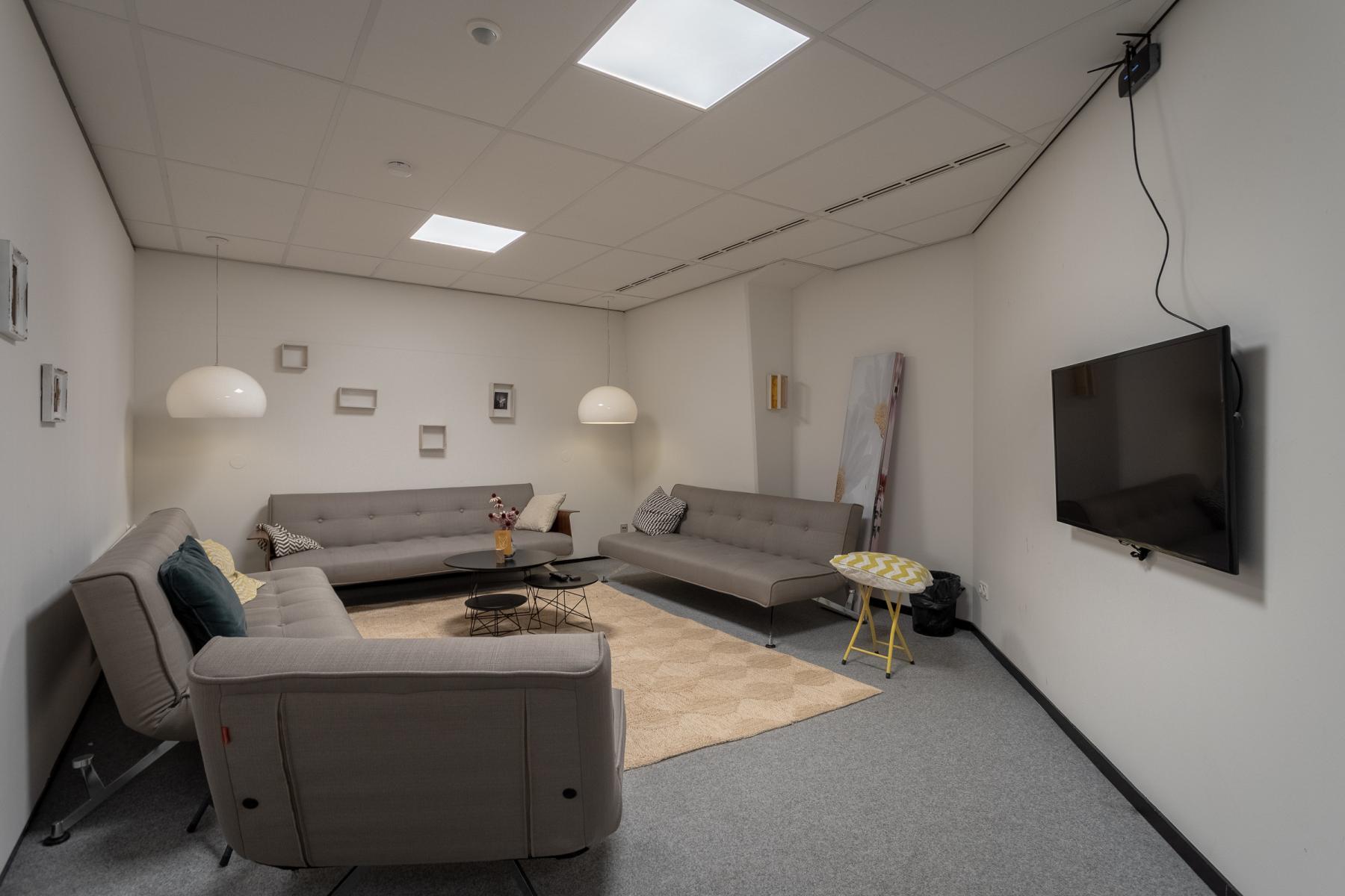 launch ruimte presentatie ruimte Arnhem kantoorruimte flexplekken werkplekken centraal gelegen goed bereikbaar