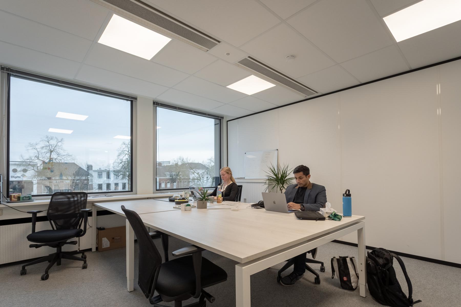 Nette ruime ingerichte kantoorruimte Arnhem