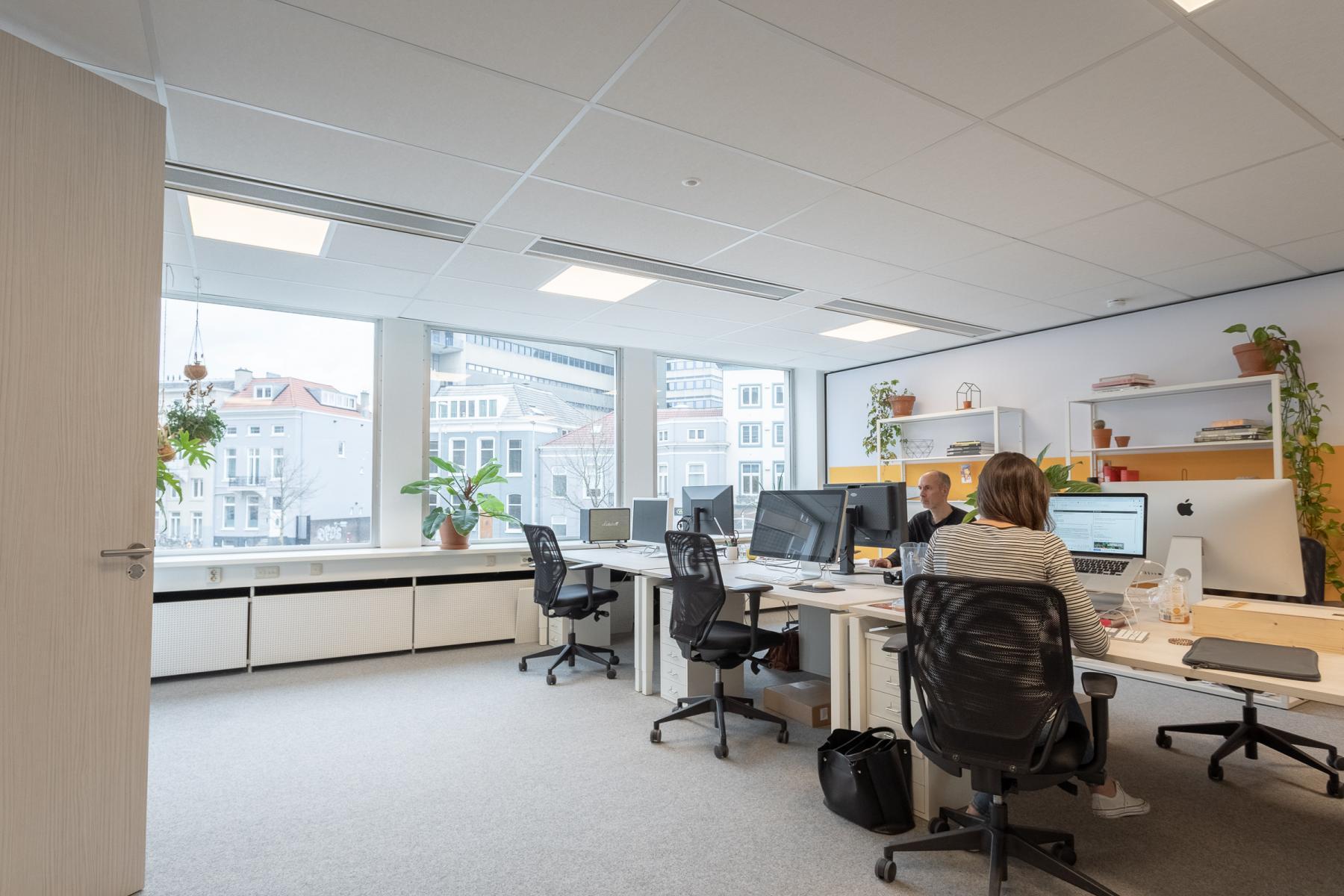 Kantoorruimte werkplek flexplek Arnhem veel ruimte
