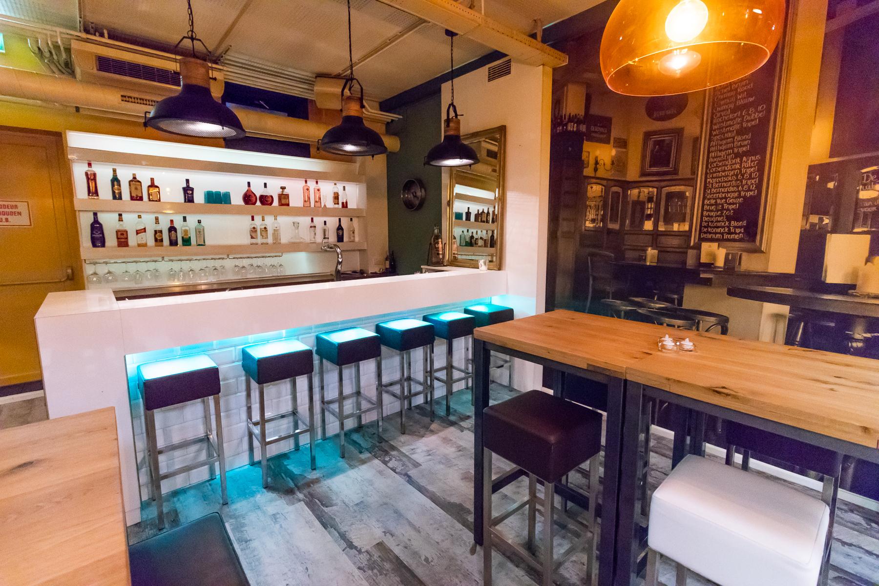 Bar in het pand