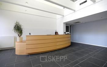 receptie aanwezig in kantoorpand te arnhem, huur kantoorruimte bij SKEPP