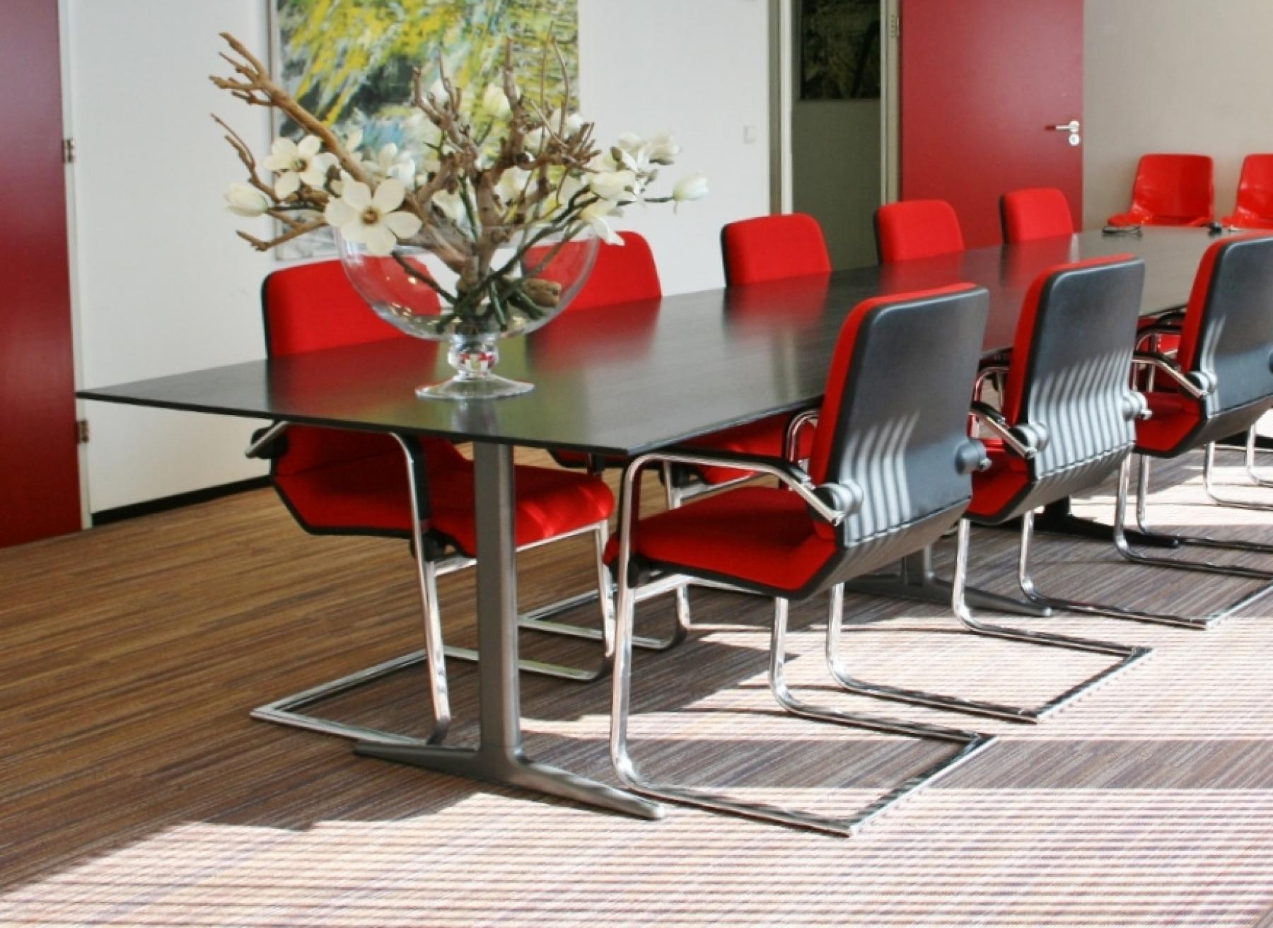 vergaderzaal maximaal 20 personen tafel stoelen huren arnhem-oost