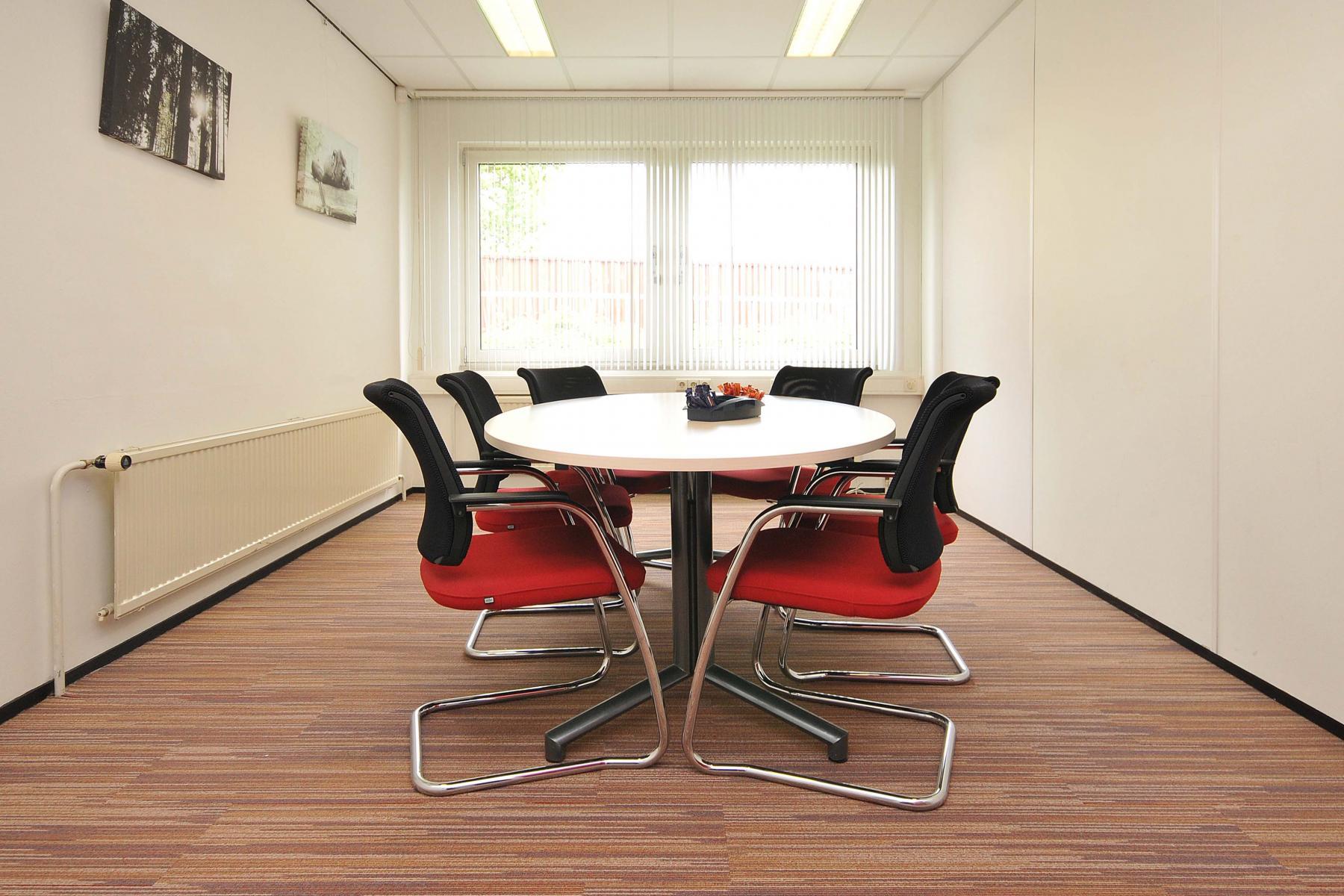 gemeubileerde vergaderruimte kantoorgebouw arnhem