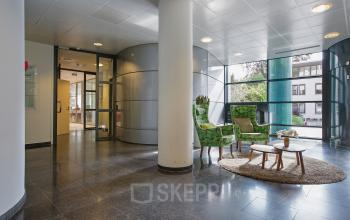 kantoorpand te huur aan amalialaan in baarn met lobby